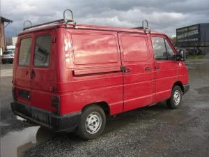 ATTELAGE Renault Trafic fourgon (sauf 4x4) - rotule equerre - fabriquant attac